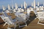 качествени дървени столове за открито