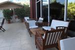 качествени дървени столове за барове