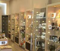 Интериорен дизайн на магазини за козметика