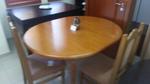 поръчкови трапезни маси и столове