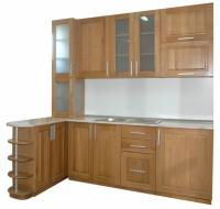 Мебели за кухня от бук с витрина