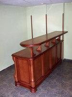 изработка на дървени шкафове и витрини по поръчка