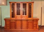 дървени шкафове и витрини за дневната
