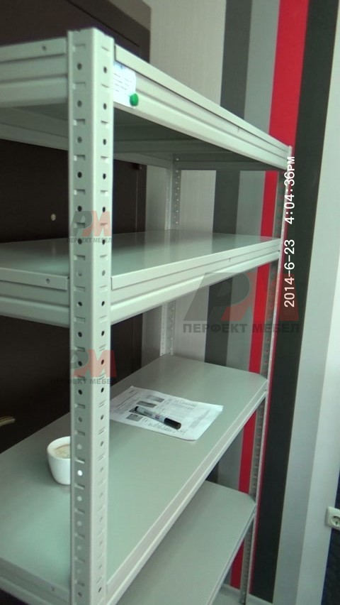 Качествени стелажи за библиотеки