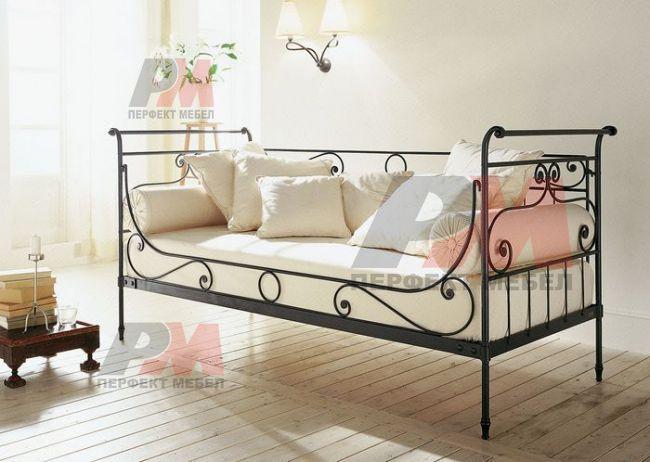 Спалня от ръчно изработен метал София
